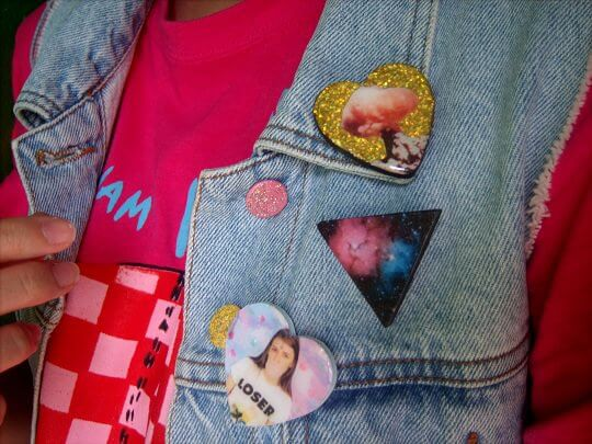 deco button pins